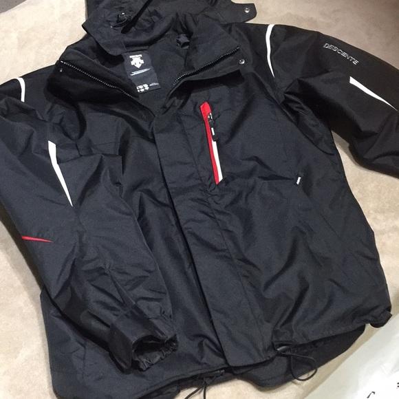 8f718a2fd Descente ski jacket. Size L